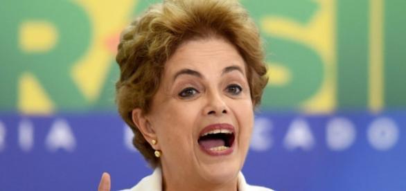 Dilma diz que, se voltar ao poder, irá propor plebiscito sobre novas eleições presidenciais