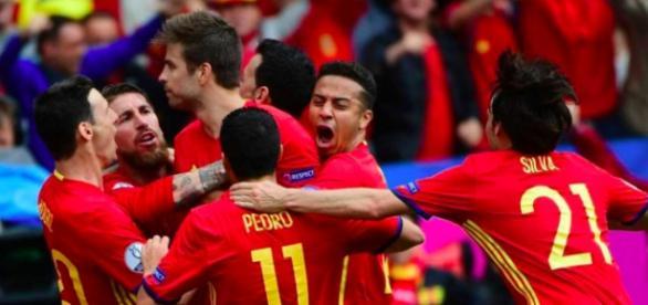 España dio muestras de ser una selección unida y comprometida. Se acabó un ciclo pero continua una era.