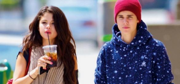 Selena ainda sente vontade de ajudar Justin