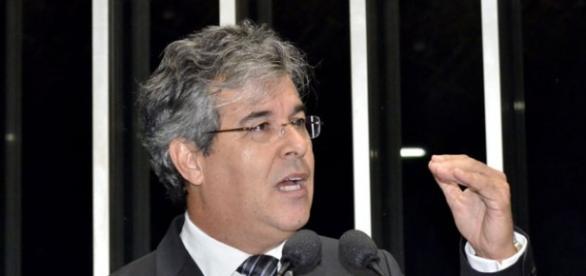 Senador Jorge Viana tenta incendiar o país