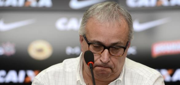 A diretoria do Corinthians não pretende gastar muito com negociações