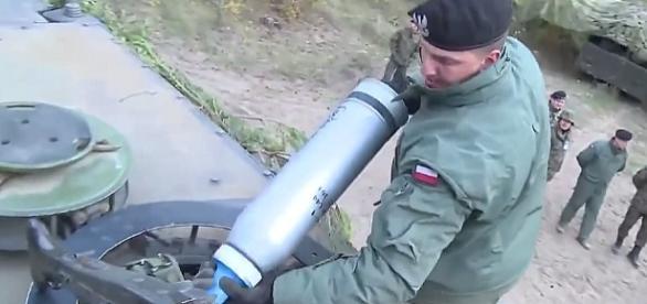 Ćwiczą szybkie ładowanie pocisków pod ostrzałem?