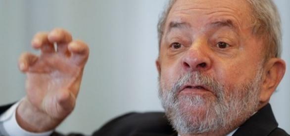 Lula tenta se livrar de Moro (Foto: AP Photo/Andre Penner)