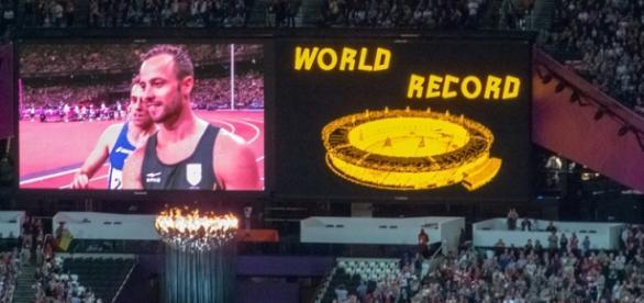 Oscar Pistorius - Men's 200m 2013 / photo by SimonQ, Flickr cc