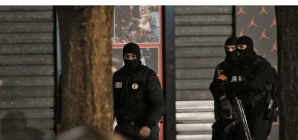 Policias acabaram abatendo o alegado assassino