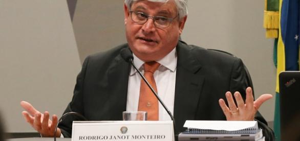 Advogada protocolou pedido de impeachment (Foto: Lula Marques/Fotos Públicas)