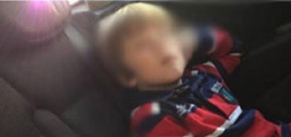 Crianças foram devolvidas pelo pai, após um mês longe da mãe
