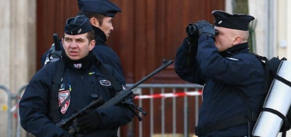 Incident terorist în apropiere de Paris