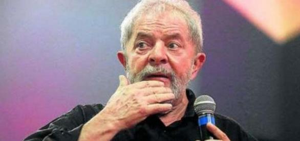 Lula diz que PF está coagindo empresários