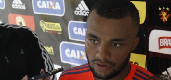 Samuel Xavier lateral-direito do Sport