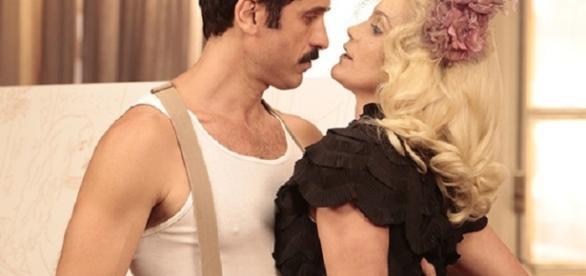 Sandra e Ernesto são flagrados por Araújo (Gshow)