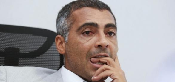 Senador Romário (PSB-RJ) é suspeito de receber doação ilegal de empreiteira
