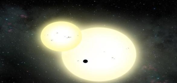 Corpo celeste é o maior já descoberto orbitando duas estrelas