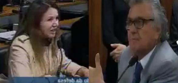 Senadora comunista leva resposta aspera