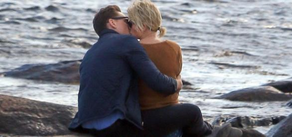 Novo casal de celebridades foi fotografado junto