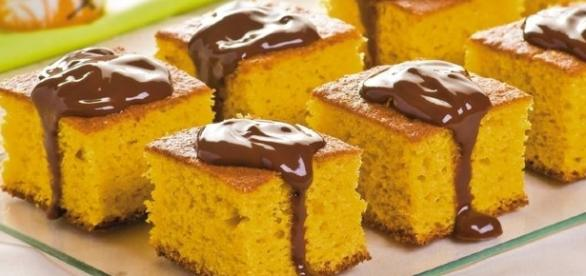 Bolo de cenoura da página Receitas Light do Facebook