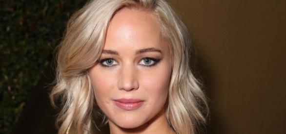 Site de fofocas afirma que atriz está exagerando na bebida