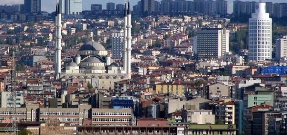 Vista de Ancara, capital da Turquia (Foto: Reprodução/Google)