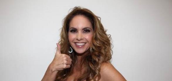 Lucero ficará apenas 20 dias no Brasil e participará de programas do SBT