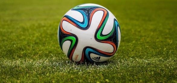 A bola rola neste meio de semana para a definição dos finalistas da Copa América Centenário.