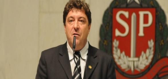 Carlos Grana (PT) veta projeto aprovado por unanimidade na Câmara