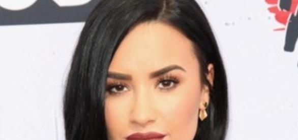 Demi Lovato ameaça abandonar as redes sociais