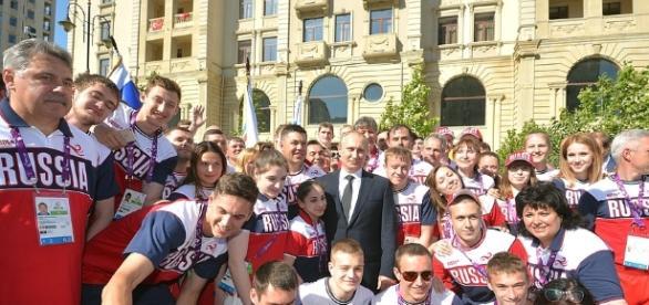 Segundo IAAF, russos poderão competir nas Olimpíadas, mas sem defender sua bandeira.