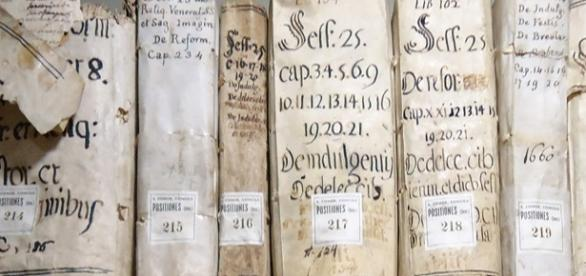 Vatican library can be accessible online on Vatlib.it.