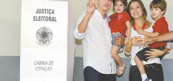 Camilo Santana começa a pensar em futuro político em 2018