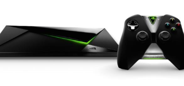 Dispositivo de entretenimiento en streaming NVIDIA Shield con controller