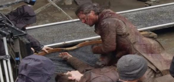 Kit acertou Iwan no rosto duas vezes (Foto: HBO)
