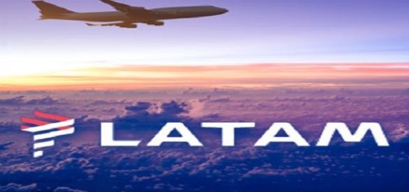 LATAM está contratando atendente e operadores, mesmo sem experiência.