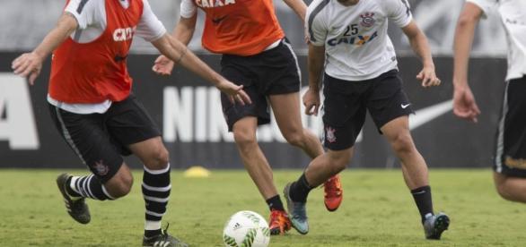 O Corinthians pode perder Romero, atual artilheiro da equipe.