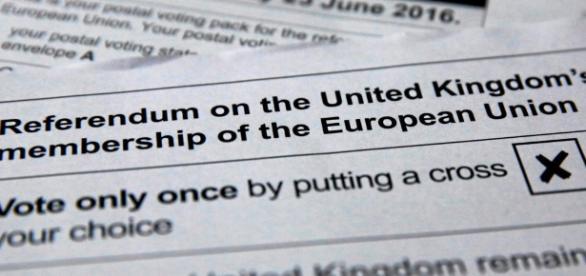 Boletim de voto do referendo britânico.