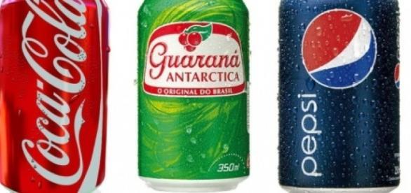 Coca, Ambev e Pepsi deixarão de fornecer refrigerantes nas escolas