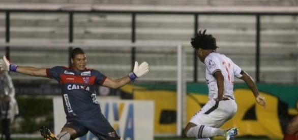 CRB enfrenta o Vasco pela série B.