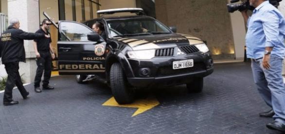 Polícia Federal na operação Custo Brasil (créditos: exame.abril)