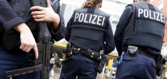 Un bărbat înarmat a deschis focul într-un complex cinematografic din Germania