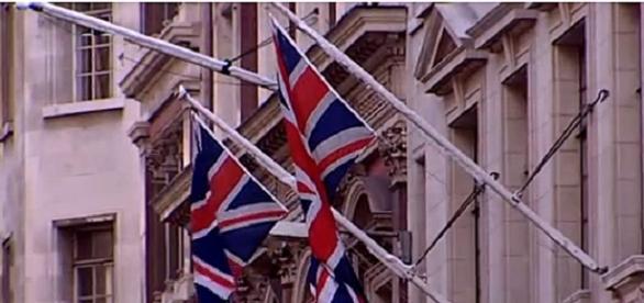 La bandera inglesa deja la compañia de la de la Union DW