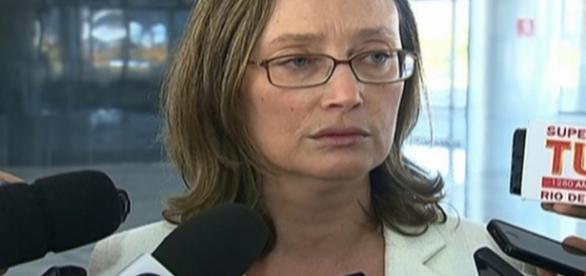 Maria do Rosário defende os direitos humanos dos criminosos (Foto: Globo News)