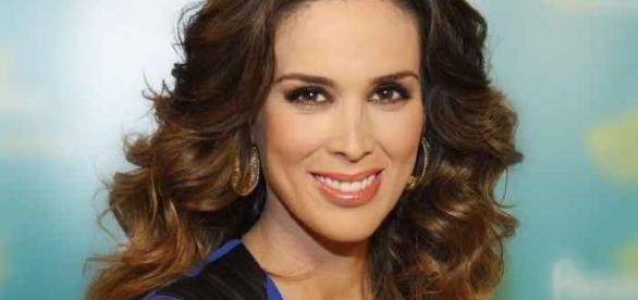 Jacqueline Bracamontes é conhecida no Brasil por suas participações em novelas mexicanas