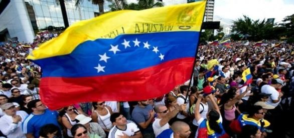 La OEA estudia la posibilidad de activar la Carta Democrática a Venezuela