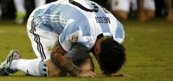 Lionel Messi deja la celeste y blanca