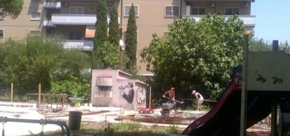 O româncă sparge cu picamerul pe şantier