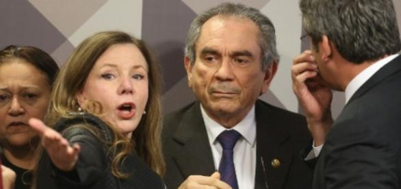 Senadores do PT acusam colegas de falta de interesse
