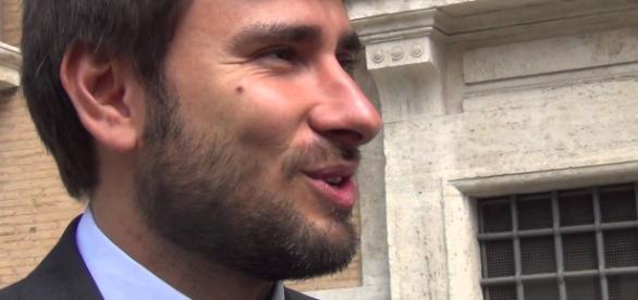Alessandro Di Battista, deputato del M5S attaccato da Miccoli (PD).