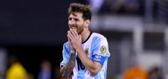 Lionel Messi ficou inconsolável após a derrota na final da Copa América Centenário