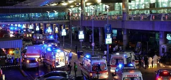 Ataque en el aeropuerto de Estambul. Al menos 36 muertos