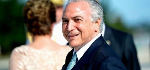 O presidente interino Michel Temer sofreu duras críticas de Dilma, com relação ao Bolsa Família