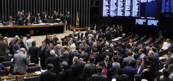 Câmara dos deputados em dia de votação.